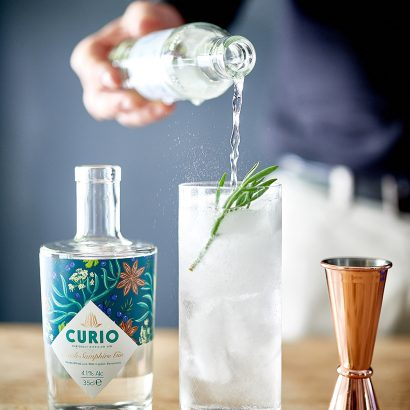 Pour the perfect Gin & Tonic